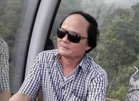 Ảnh: Trưởng phòng Giáo dục huyện Hồng Lĩnh Lê Bá Thiềm, người được cho là đã điều động các nữ giáo viên đi làm lễ tân, tiếp rượu quan khách.