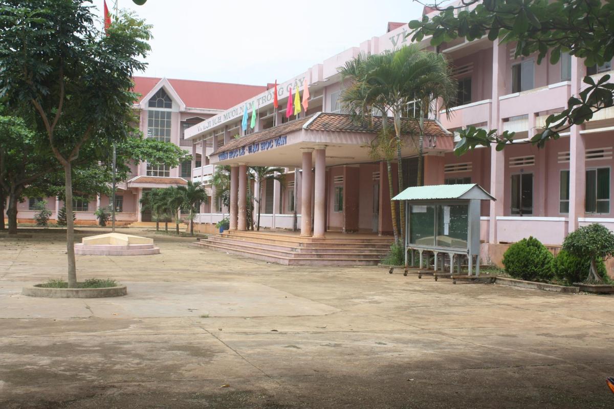 Bá đạo trường cấp 3 Quang Trung tự ban hành luật an ninhmạng