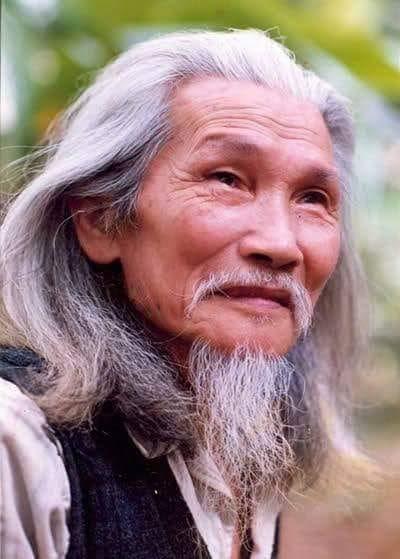 Lời tự thuật của thi sĩ Hữu Loan – tác giả bài thơ Màu tím hoasim