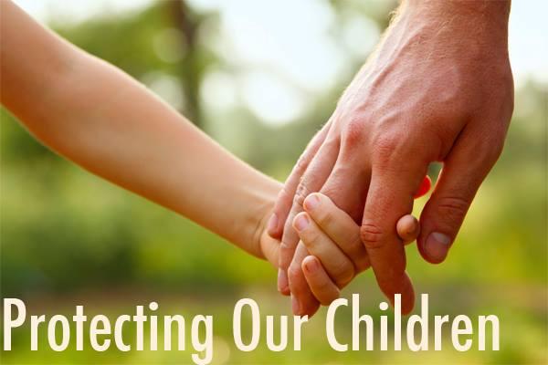 Cha mẹ phải làm gì để bảo vệ con cái khỏi bị bạo hành và lạm dụng ở trườnghọc?
