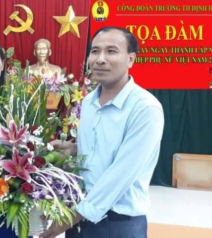 Chân dung vị hiệu trưởng Thanh Hóa ép nữ giáo viên nằm lang trong nhiềunăm